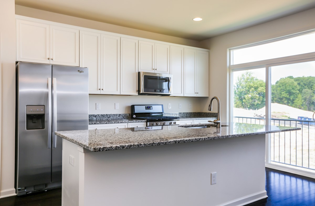 Franklin quick move-in gourmet kitchen