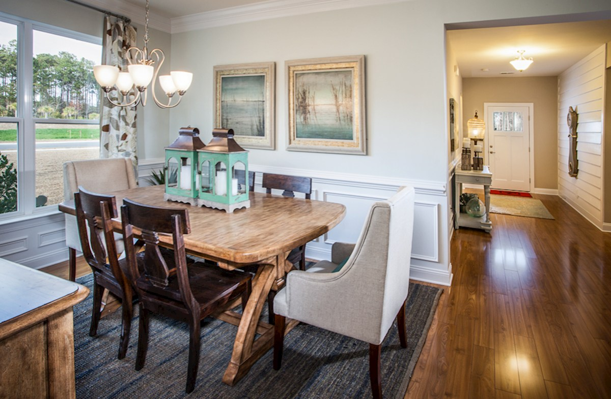 Park Place Savannah Dining Room with Picture Frame Molding