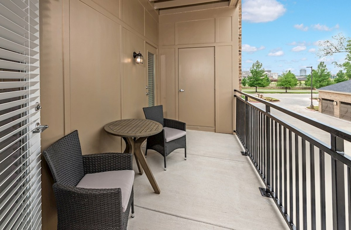 Gatherings® at Indian Lake Sherwood comfortable balcony
