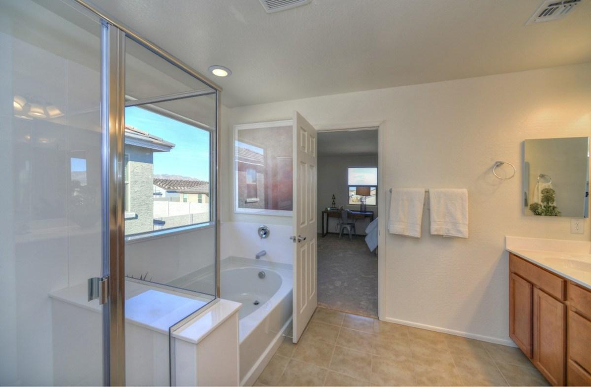 Abilene quick move-in large soaking tub