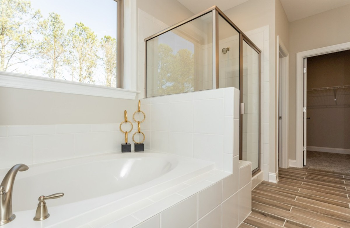 Sunset Glen Stratford Stratford master bathroom