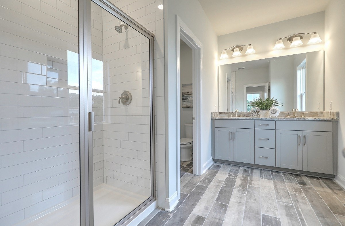 The Marshes at Cooper River Palmetto luxurious master bathroom