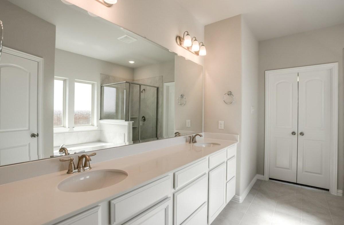 Brookhaven quick move-in Brookhaven all white master bathroom