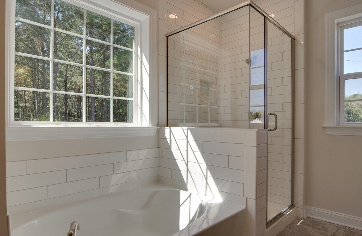 Archdale quick move-in luxurious master bathroom