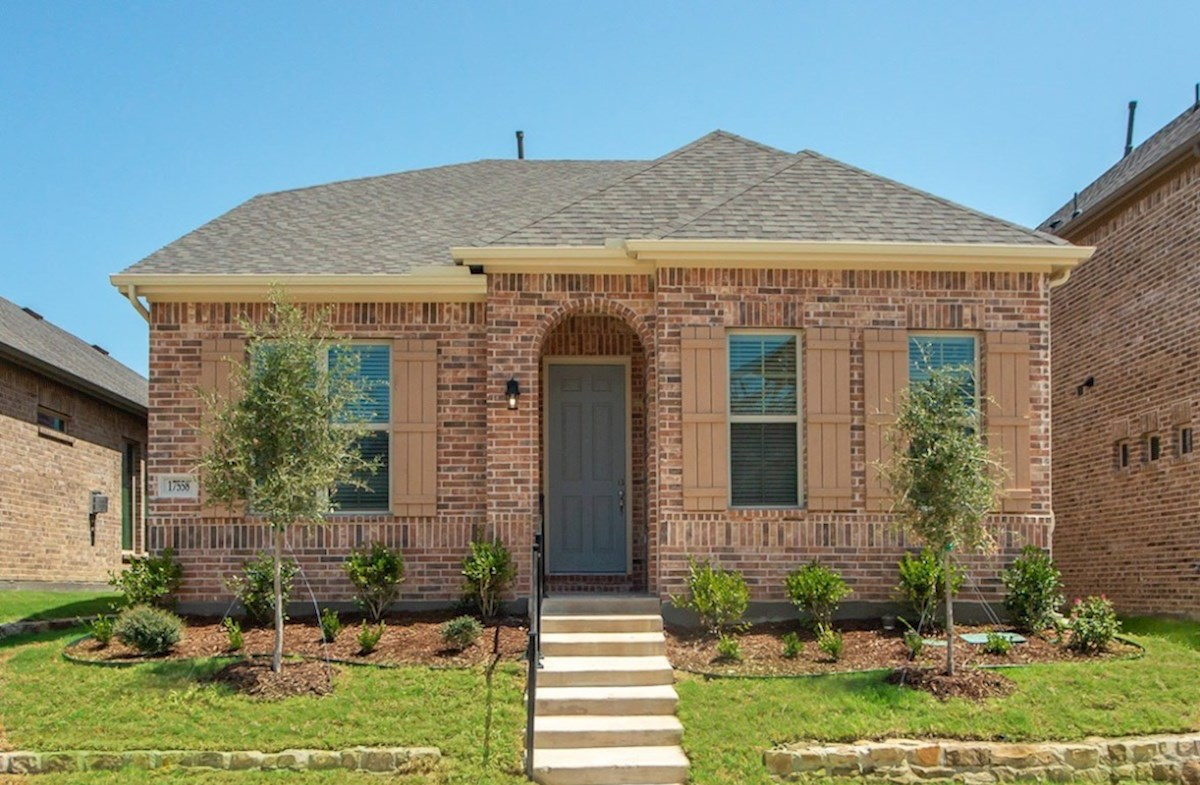 Eastland Elevation Traditional L quick move-in