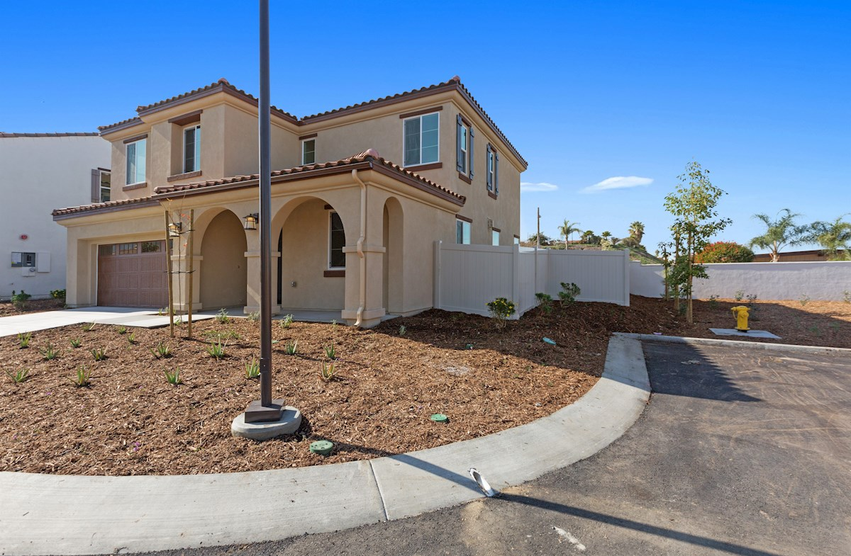 Daffodil SCM quick move-in Located on an exquisite corner lot