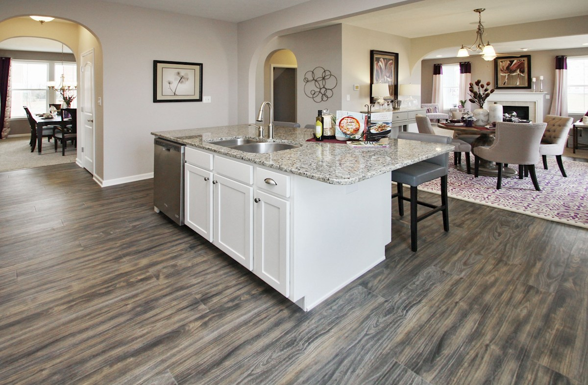 Heritage at Vermillion Bradley kitchen and breakfast area with hardwood floors