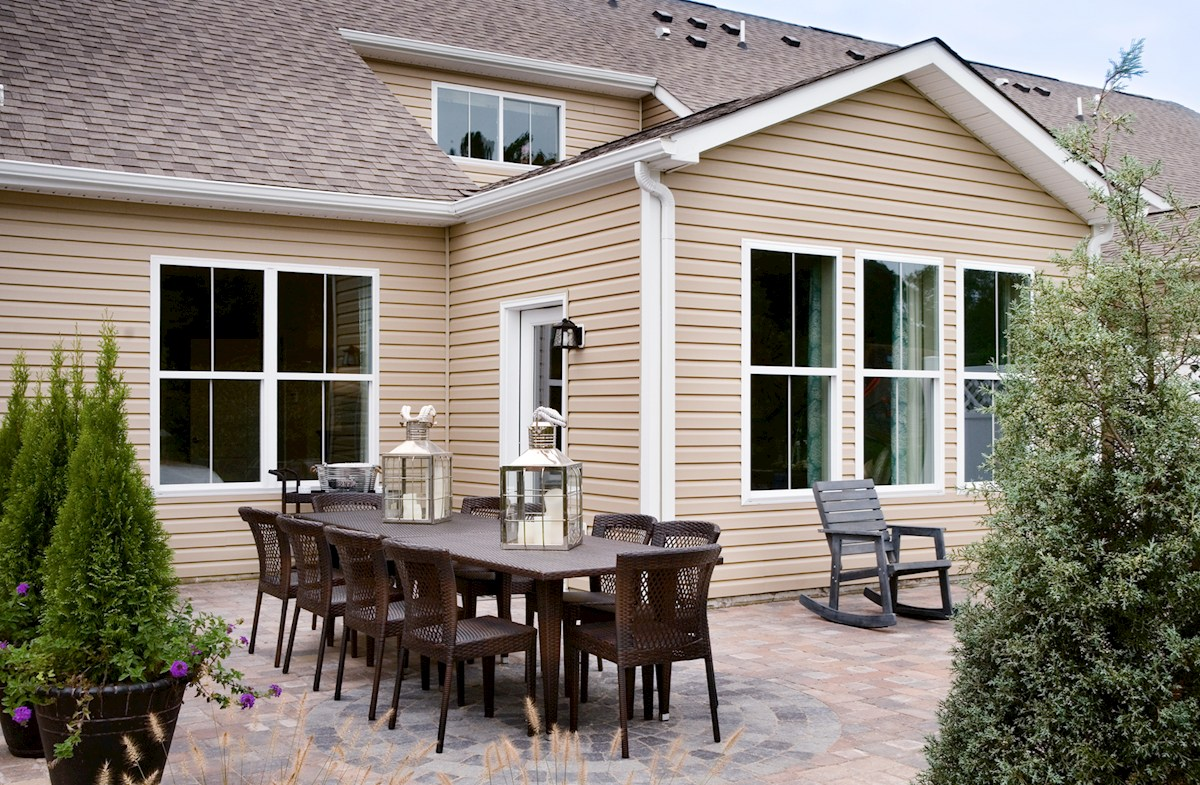 Bishop's Landing Canby II Large outdoor patio, perfect for entertaining