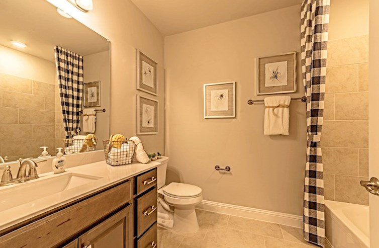 Dorset secondary bathroom with spacious countertops