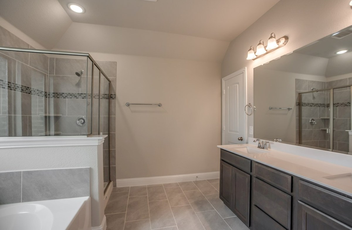 Fairfield quick move-in master bathroom with walk-in shower and soaking tub