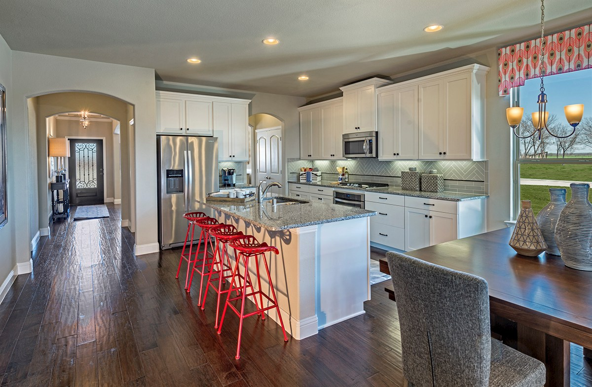 Glen View Prescott Prescott kitchen with cozy breakfast area