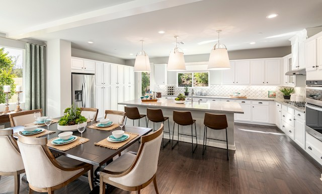 virtual tour of single-story home in Fallbrook