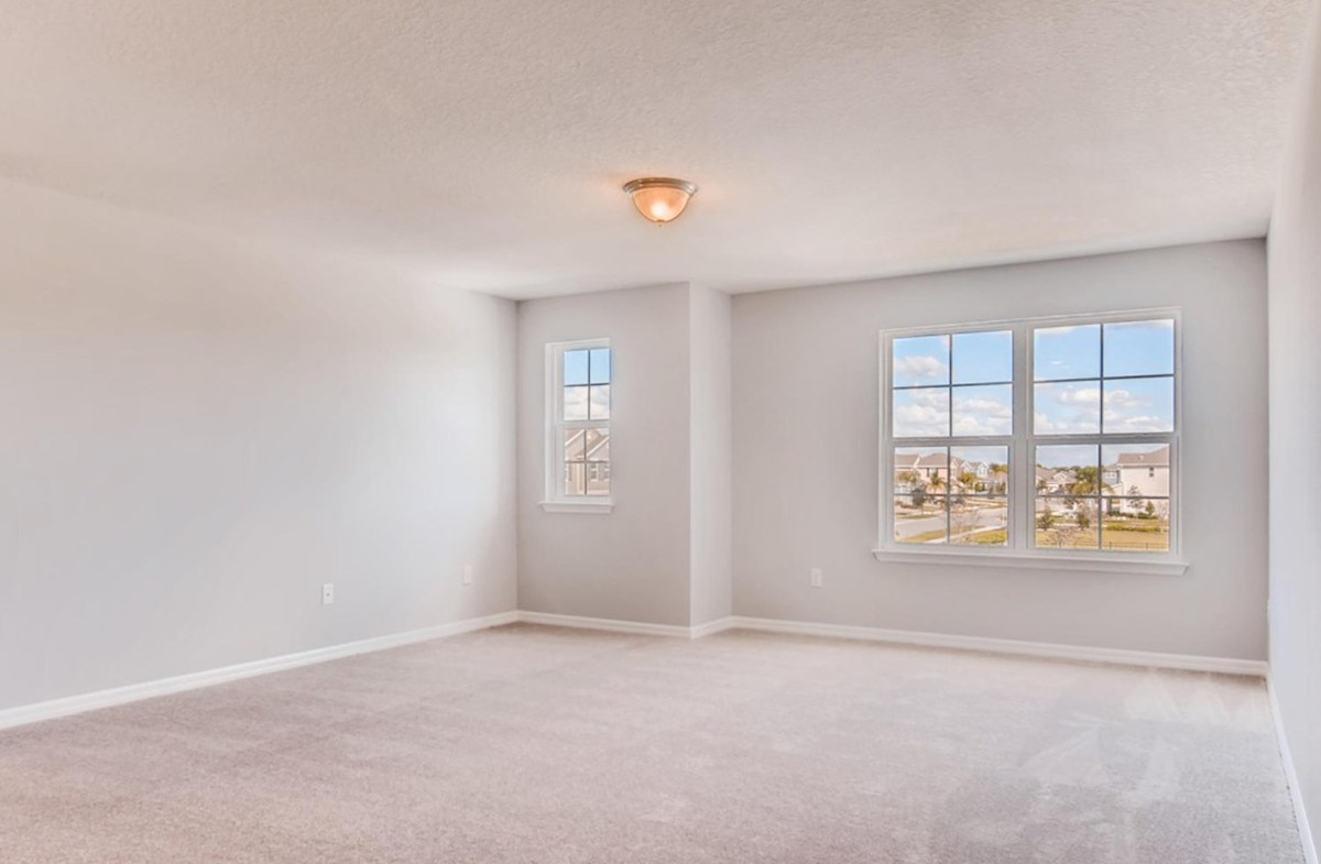 Sequoia quick move-in Open loft with windows for natural light