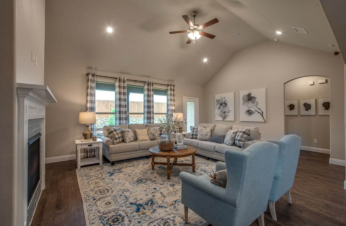Laredo great room with soaring ceilings