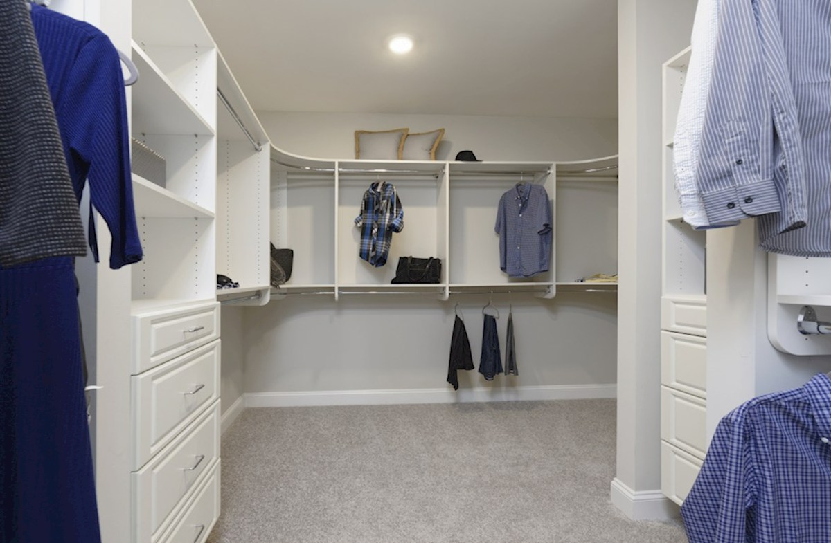 Old Court Crossing Brookview Walk-in closet in the Brookview Master Suite