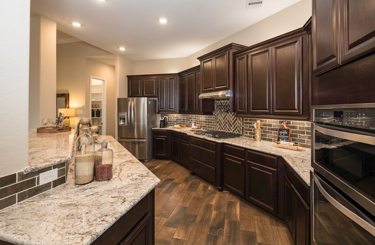 Wildwood at Oakcrest Fredericksburg kitchen with spacious granite countertops