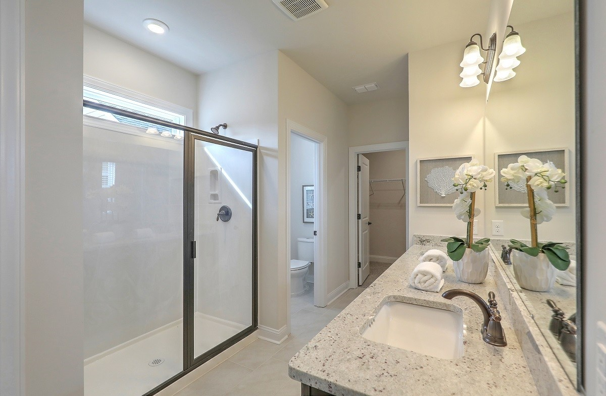 Middleton quick move-in well-appointed master bathroom
