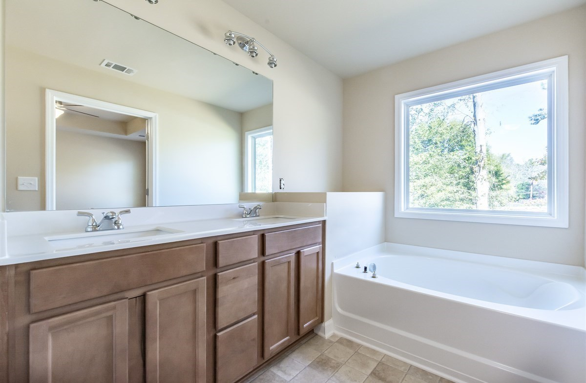 Rabun quick move-in master bath dual vanity and garden tub