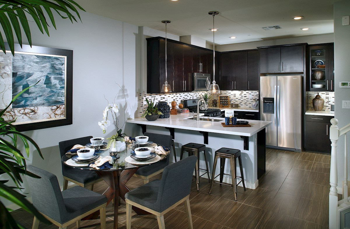 Natomas Field Kingsford Kitchen with breakfast bar and dining area