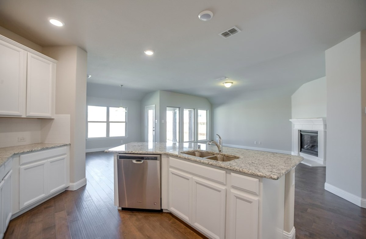 Baxter quick move-in kitchen overlooks great room