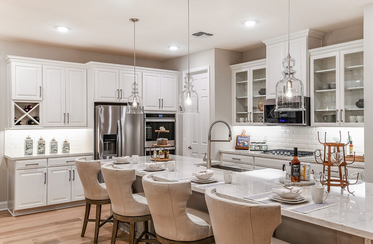 Reserve at Citrus Park Windjammer Open kitchen with large island