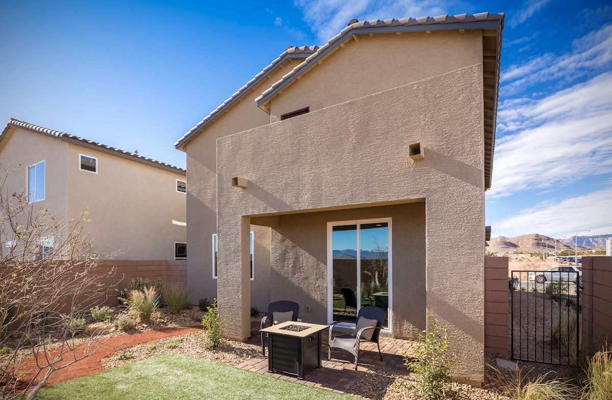 spacious backyard in Mesquite