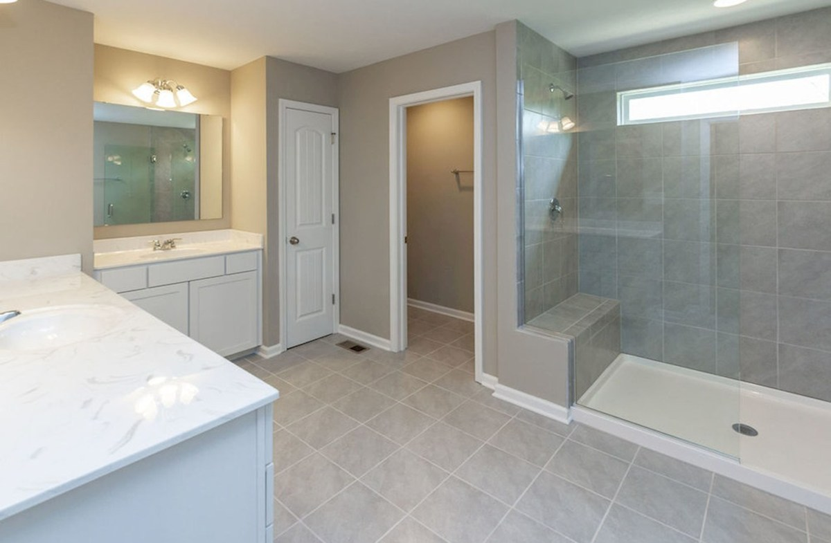 Shelby quick move-in Large master bath with spa shower