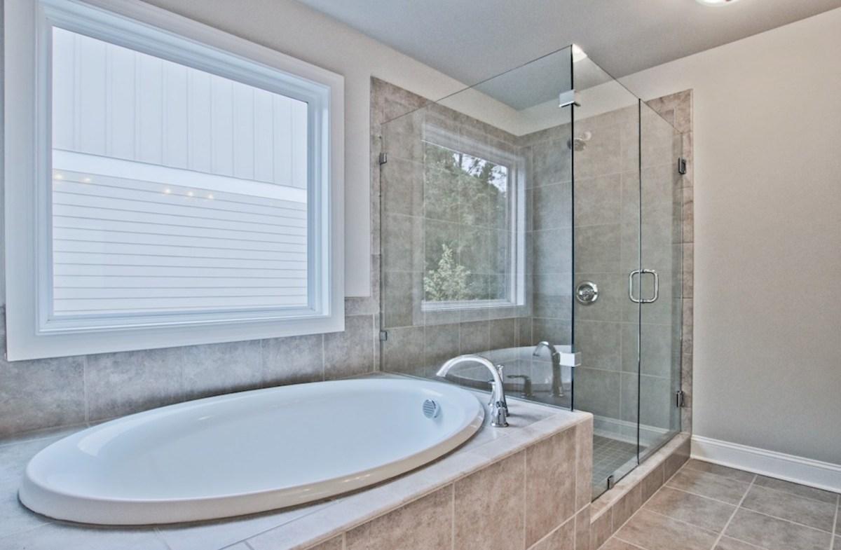 Preston quick move-in Master Bath with soaker tub