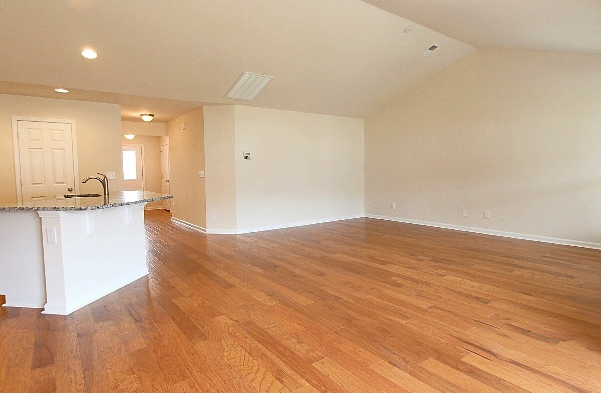 Summerton quick move-in spacious great room