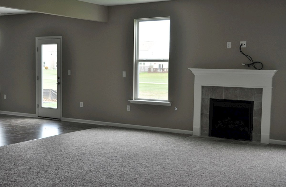 Juniper quick move-in Enjoy the cozy fireplace this fall!
