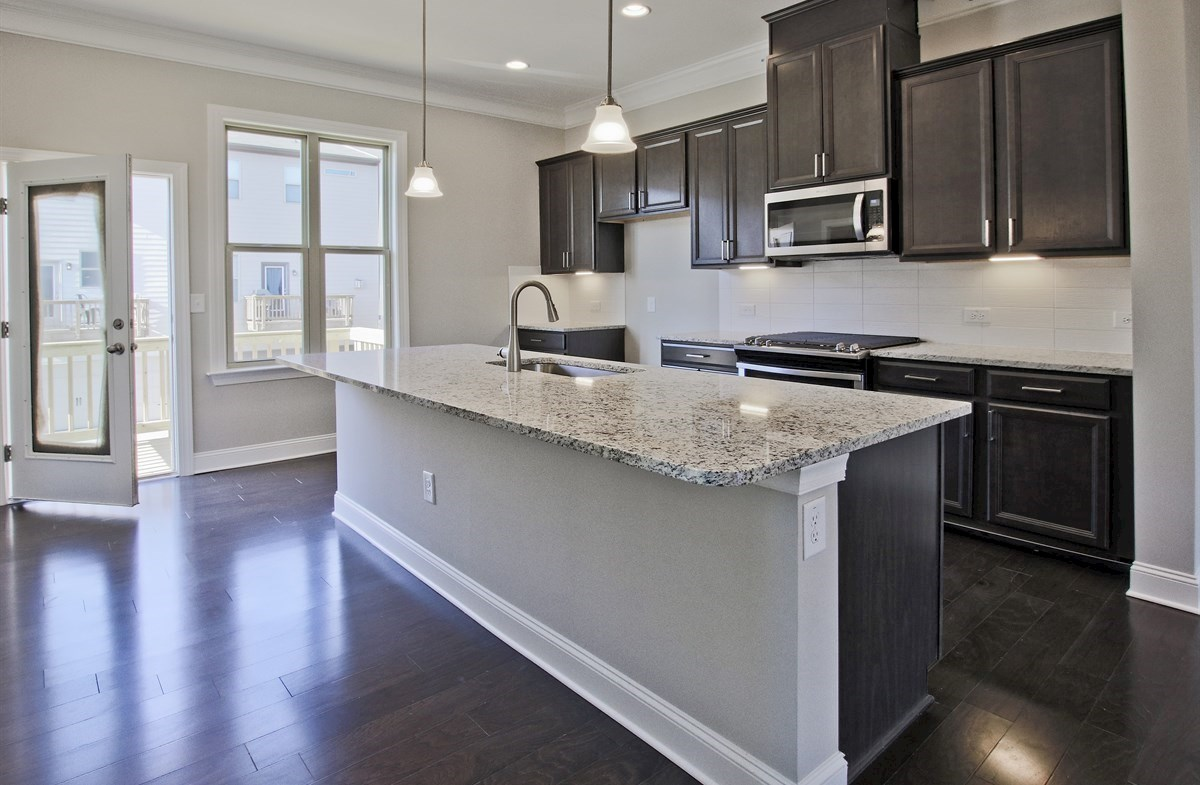 Charleston quick move-in Kitchen with granite countertops