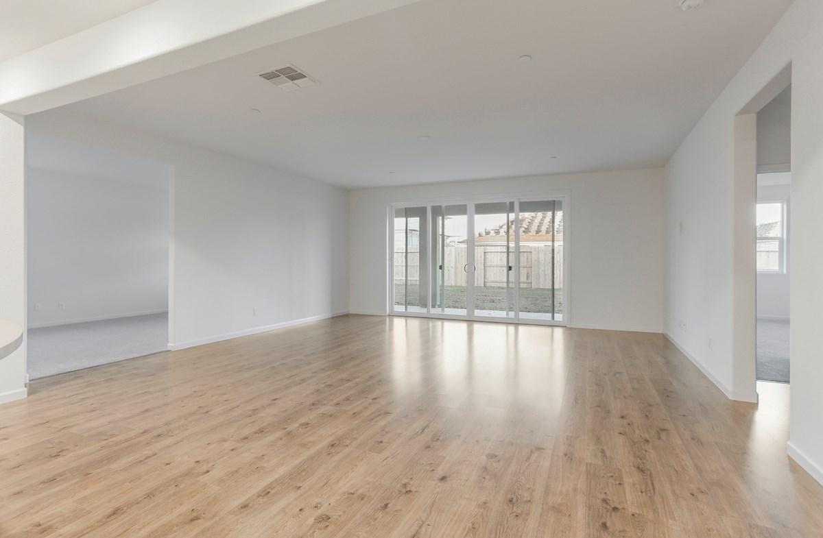 Alpine quick move-in spacious great room