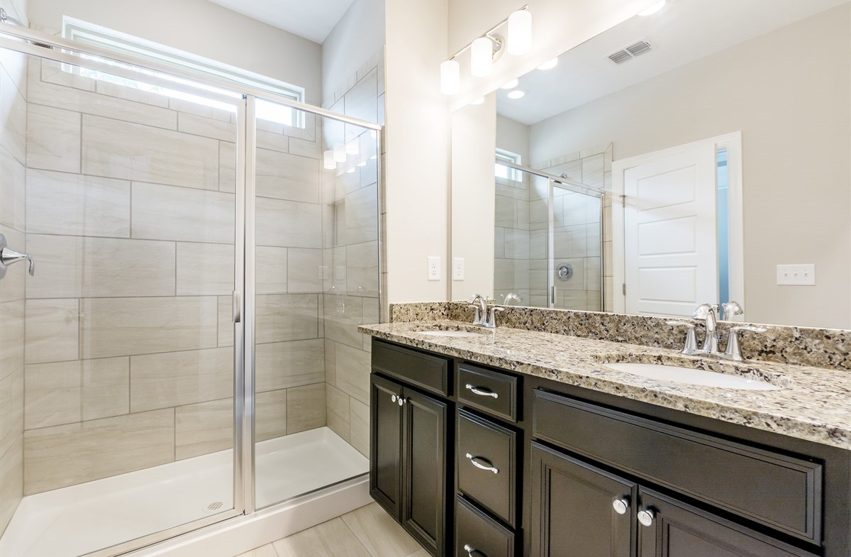 Ashland quick move-in Master Bath with dual sinks