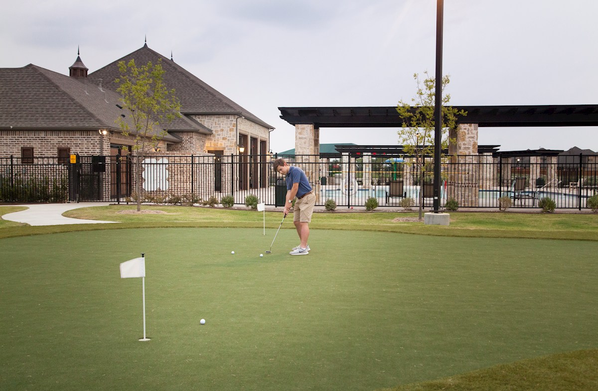 Community putting green