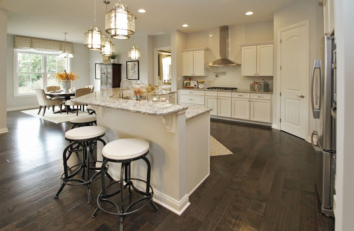 Capitol quick move-in Dreamy gourmet kitchen with staggered island