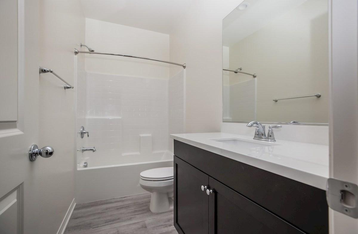 Iris quick move-in Iris Secondary Bathroom