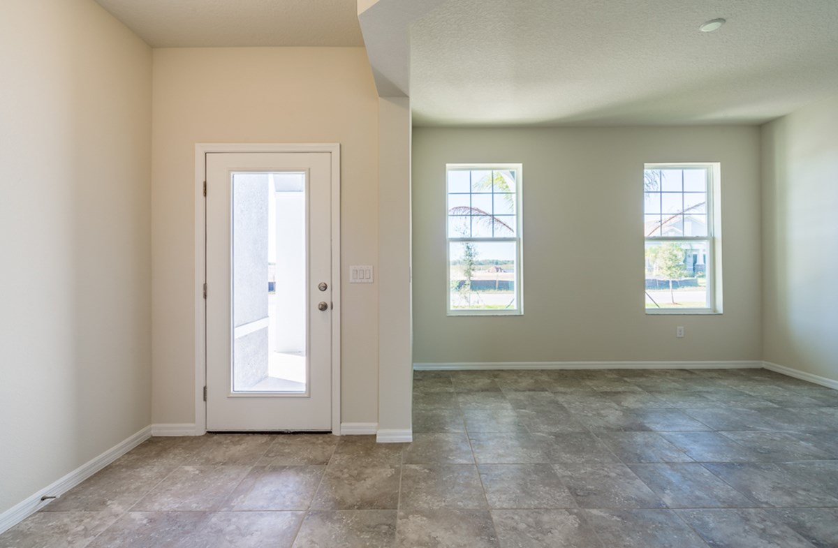 St Augustine II quick move-in Enjoy a spacious foyer and dining room