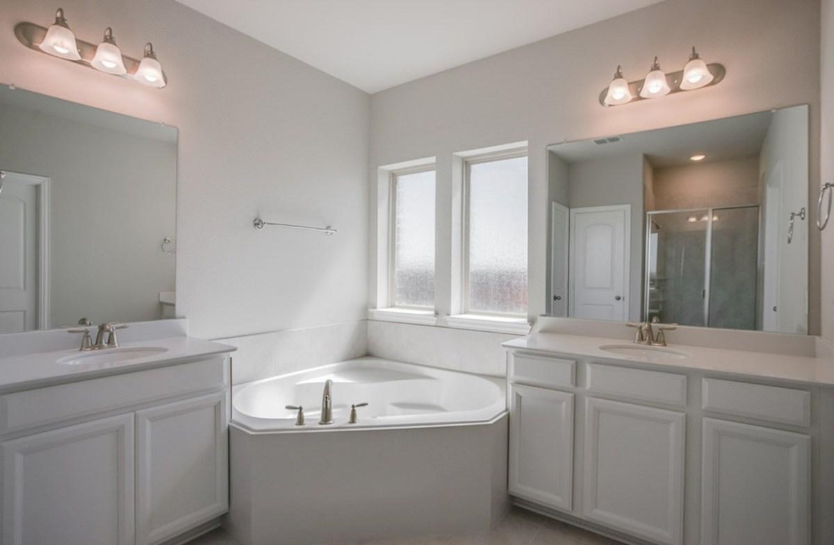 Prescott quick move-in Prescott master bathroom with large soaking tub