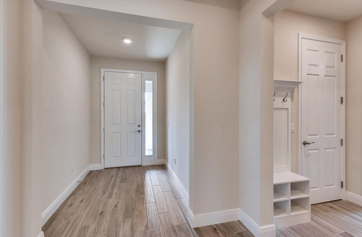 Bayview quick move-in Spacious foyer with wood-look tile
