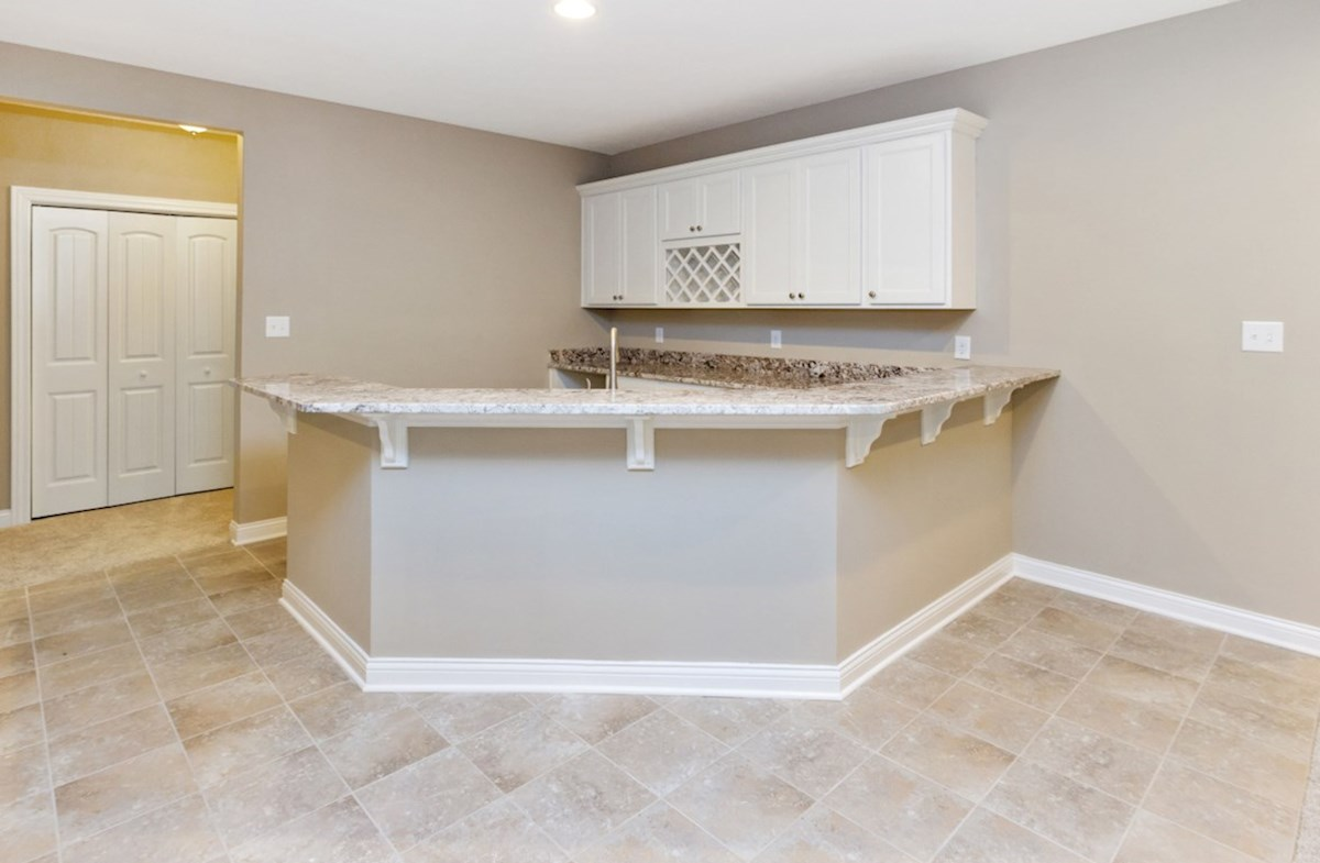 Capitol quick move-in Wet bar in basement for entertaining