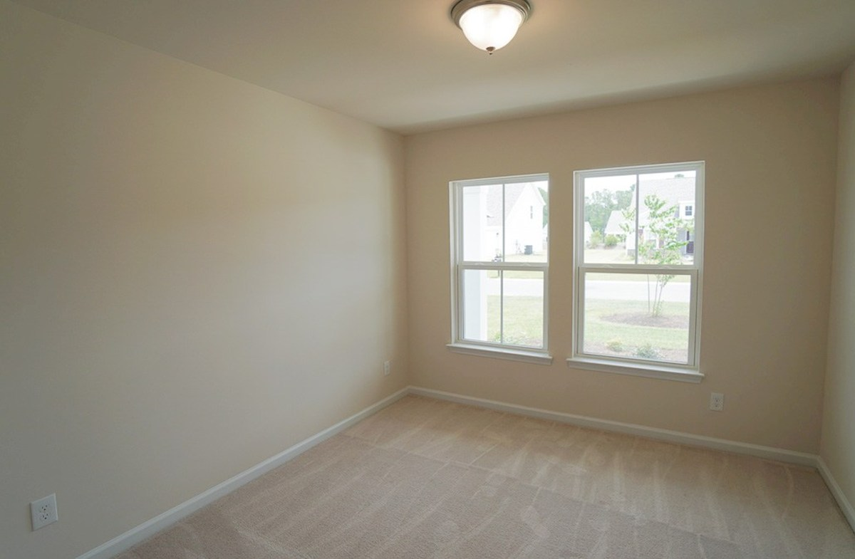 Summerton quick move-in bright front bedroom