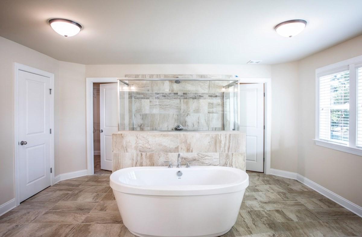 Cambridge quick move-in Master bathroom with soaker tub