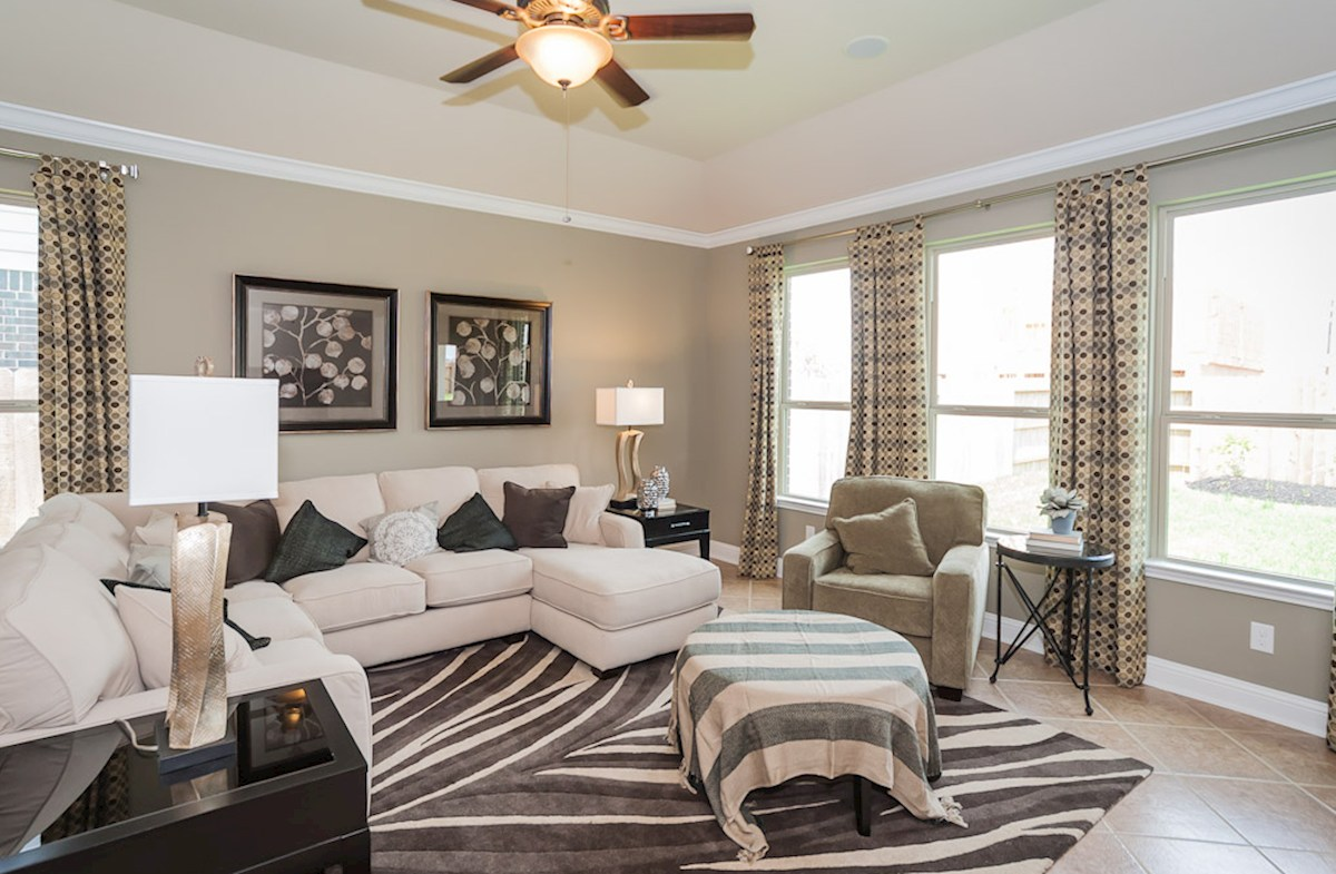 Young Ranch Capri open family room