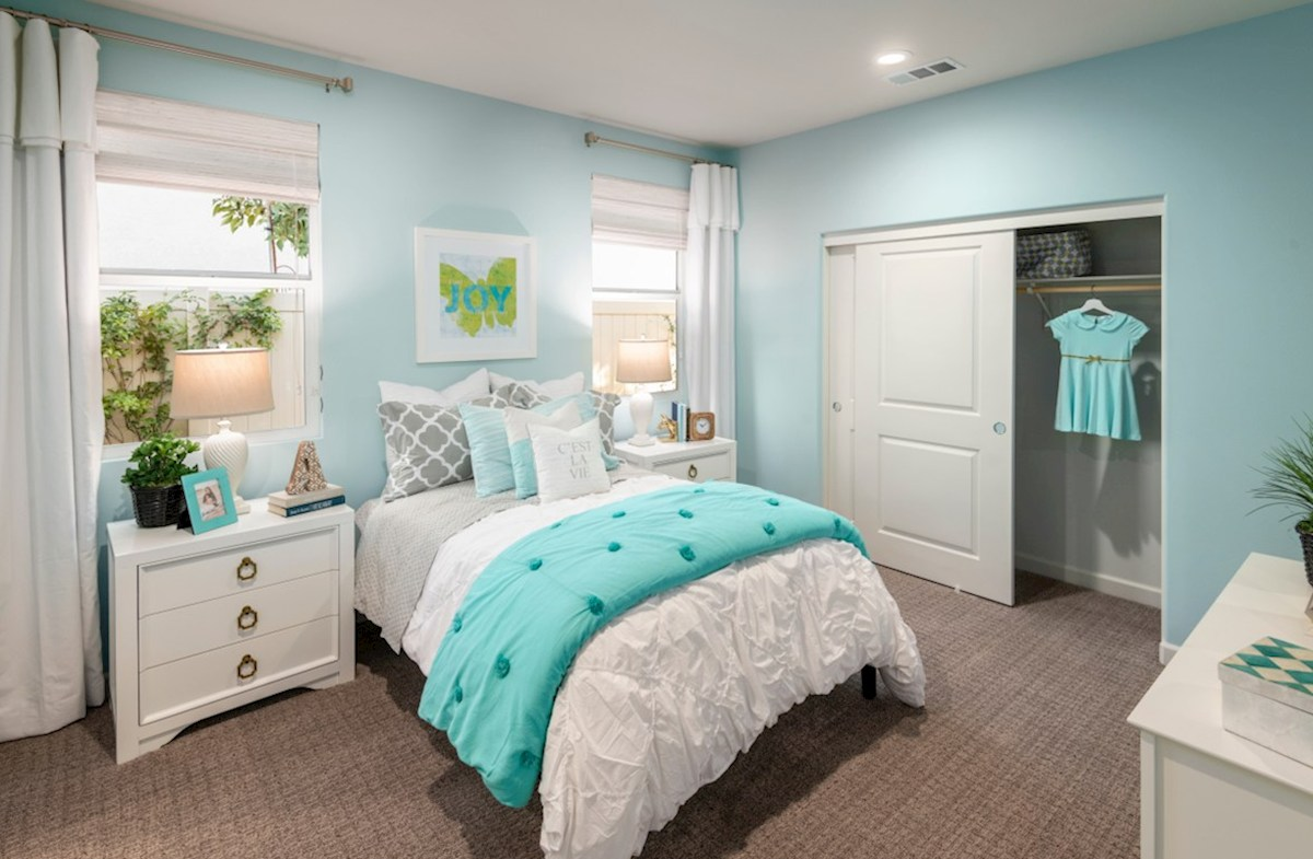 Aurora Heights Honeysuckle Warm and cozy bedroom for your little one