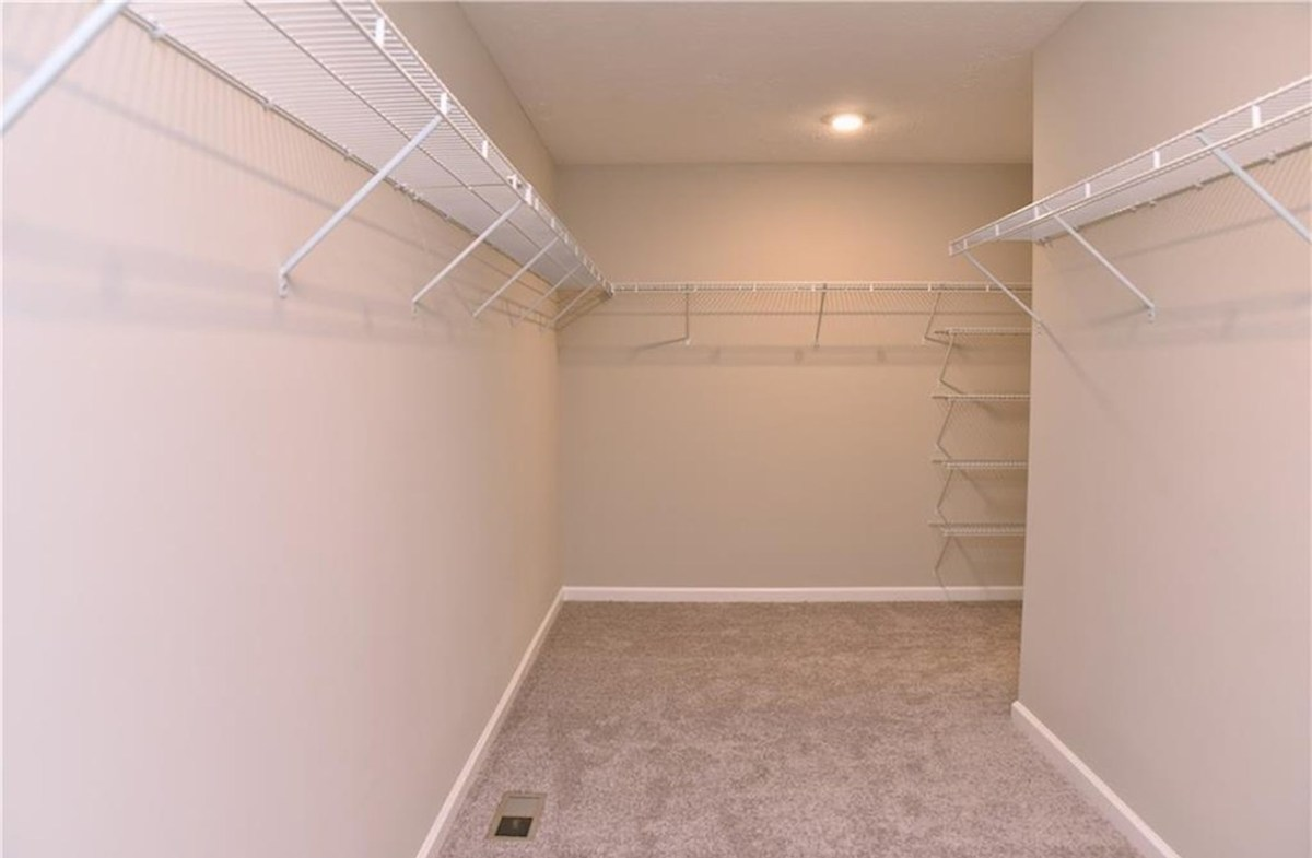 Shelby quick move-in Huge master closet