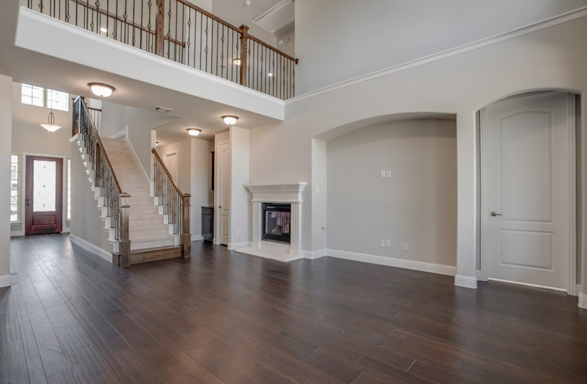 Aberdeen quick move-in great room with wood floors