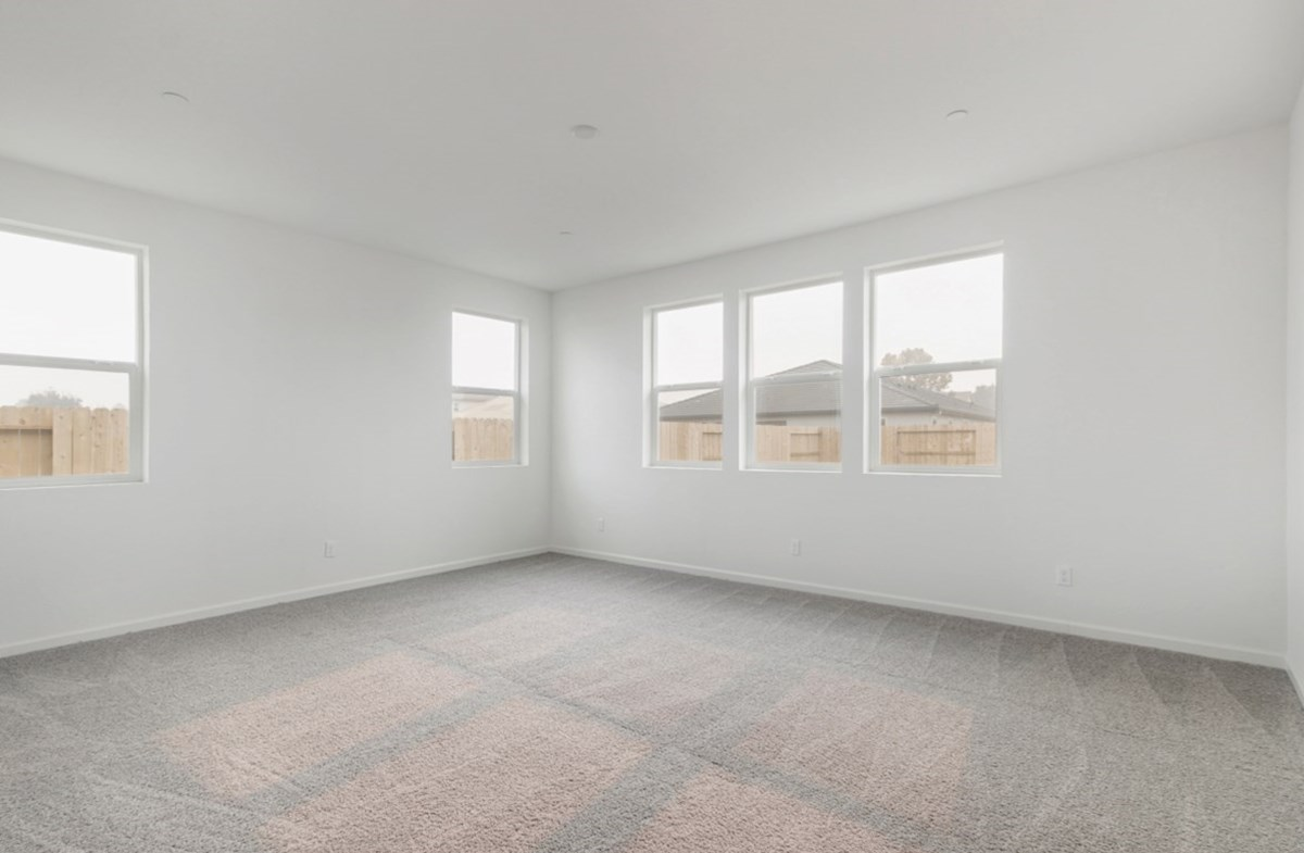 Shasta quick move-in master bedroom