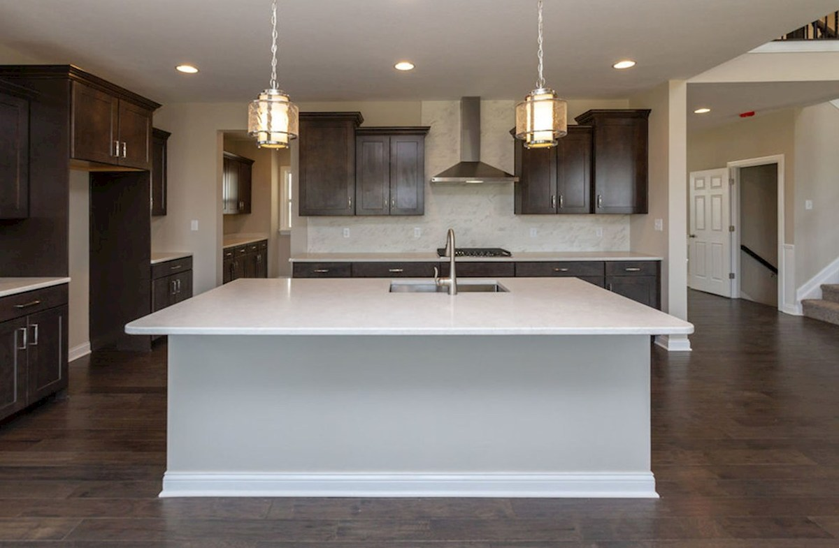 Keystone quick move-in Large kitchen island with breakfast bar
