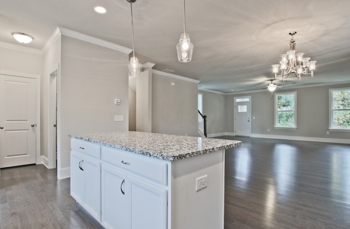 Norwich quick move-in Open Concept Kitchen and family room