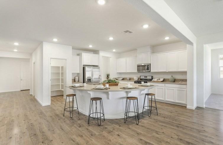Alpine Home Plan in Orchard Glen, Plumas Lake, CA | Beazer Homes ...